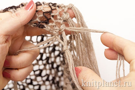 Делаем бахрому для шарфа