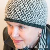 Женская шапка узором Соты