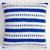Декоративный чехол для подушки спицами