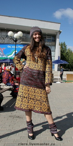 Светлана Турова. Вязаное платье Лесные ягоды