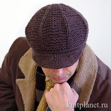 Вязаная спицами и крючком мужская зимняя кепка