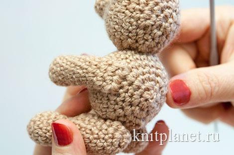 Как пришить лапы к вязаной игрушке